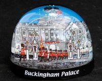 Buckingham Palace plastic snowglobe